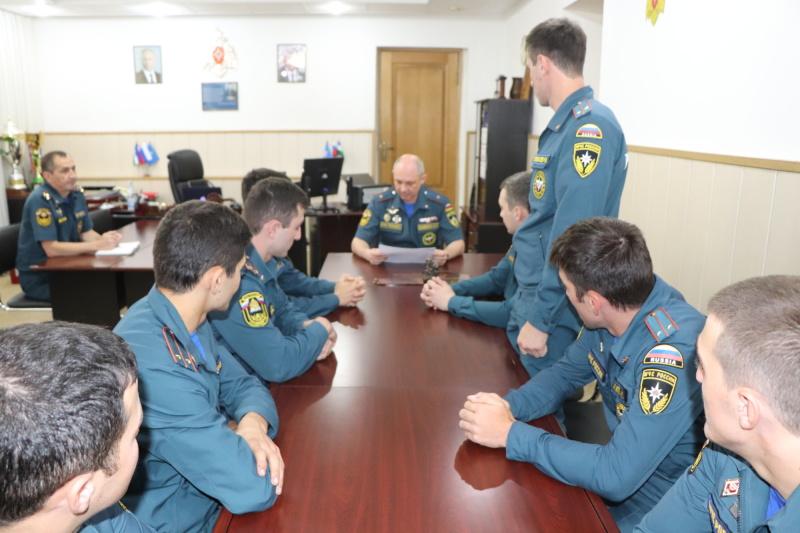 М.Надежин встретился с молодыми офицерами