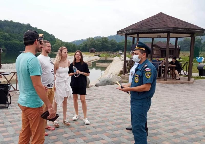 В Черекском районе отдыхающим напомнили о безопасности на водных объектах